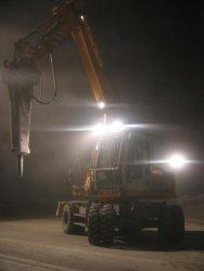 Montabert BRV-32 Abbruchhammer im Nachteinsatz