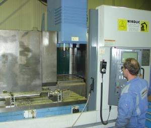 Bearbeitungszentrum MAZAK VTC-300C