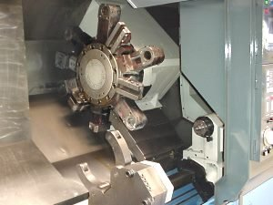 Drehmaschine MAZAK SQT-28M 1500 mm Spitzenweite